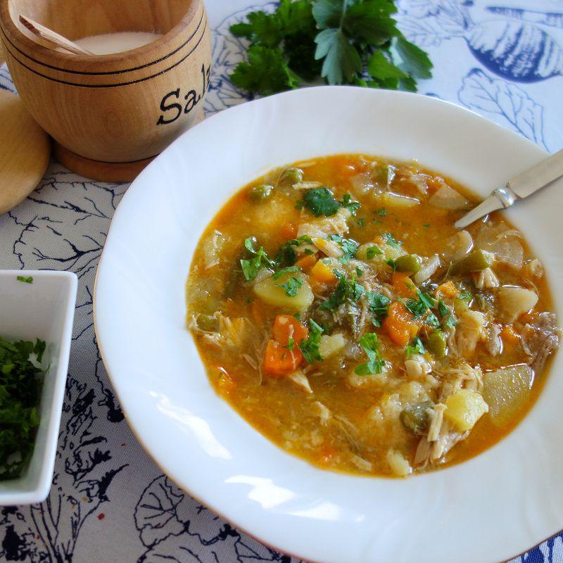 Fruehlingssuppe mit Fleisch, Fruehlingssuppe mit Huhn, Fruehlingssuppe Rezept, leckere Fruehlingssuppe,