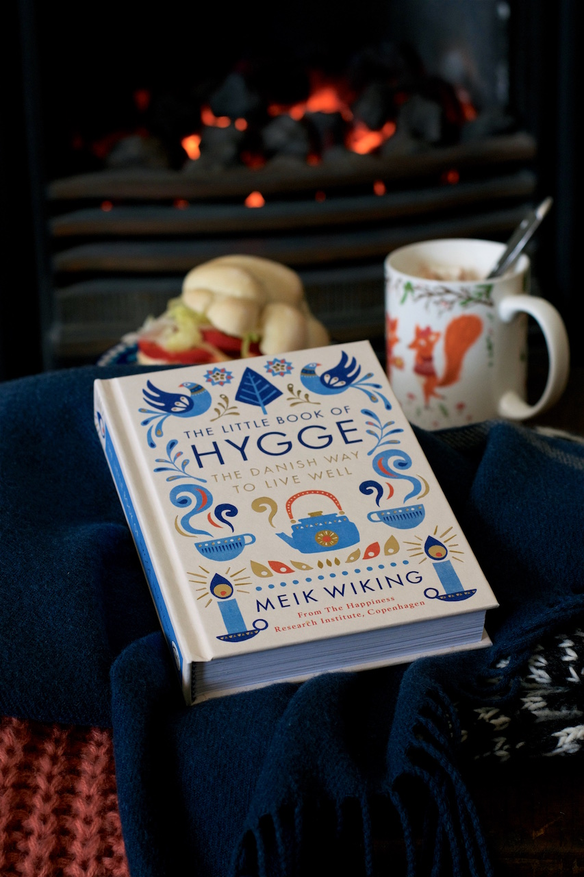 Book review: The Little Book of Hygge by Meik Wiking · Lisa Hjalt