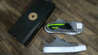 Sepatu Converse Lmruah