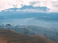 Mount Lawu Indonesia (3.265m)