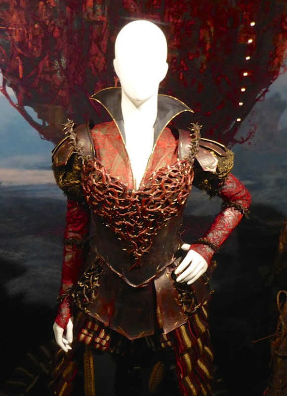 Red Queen film costume Alice Through Looking Glass