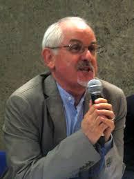 The TGR Piemonte kehilangan salah satu wartawan yang paling berharga dan terkenal. Gianfranco Bianco Berkabung di Turin jurnalisme meninggal tadi malam waktu setempat (Italia), (29/06/2016), salah satu wajah dan suara dari Tg Rai daerah. Dia berusia 64 tahun, tiga tahun lalu, ia diserang oleh tumor, penyakit yang telah dihadapkan dengan kekuatan besar dari kehendak, ke titik pengembalian - pada tahun 2014 - untuk memimpin televisi sambungan langsung dengan konser Agustus di daerah Cuneo.