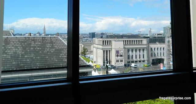 """O Kunstberg, a """"Colina das Artes"""" de Bruxelas, visto de uma janela do Museu Magritte"""