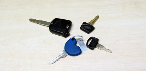 Làm rơi chìa khóa xe máy thì phải làm sao?