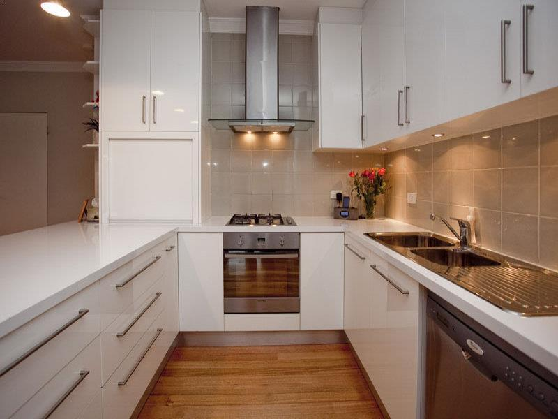 Small U Shaped Galley Kitchen Designs