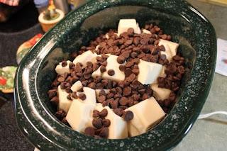 Crockpot Chocolate-Peanut Clusters