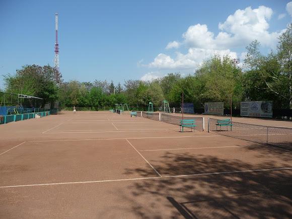Херсон. Тенісні корти ДСО «Україна»