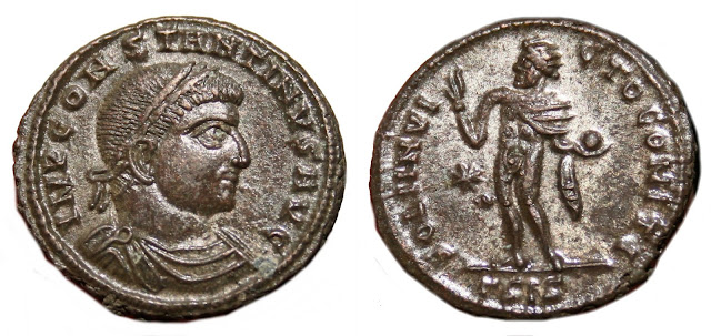 acuñado en la tercera oficina de Siscia a nombre de Constantino I