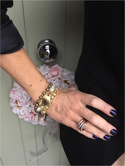 My Midlife Fashion Danon Gold T Bar Heart Bracelet ashiana jewellery