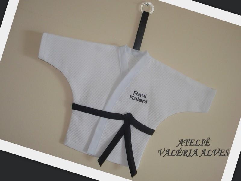 d01cfec757341 Ateliê Valéria Alves  Enfeite porta Kimono com nome bordado