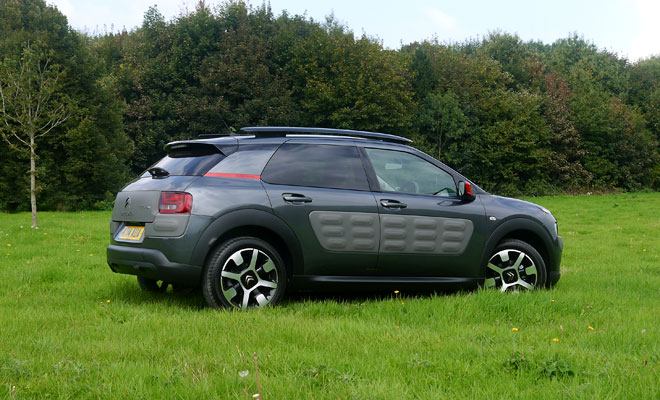 Citroen C4 Cactus side view