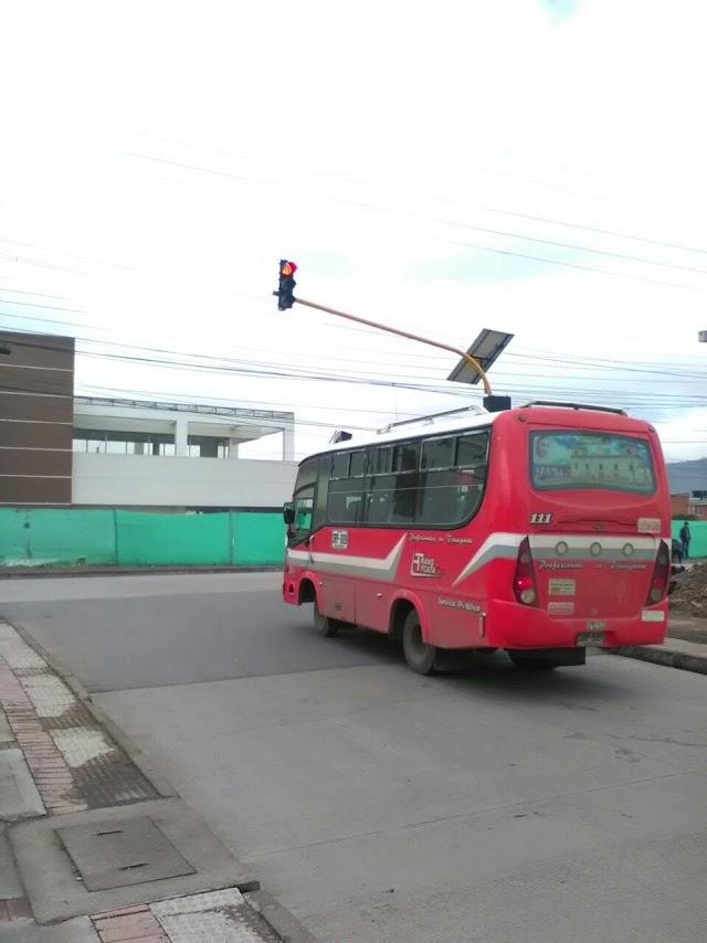 Continúa mantenimiento a semáforos en Facatativá