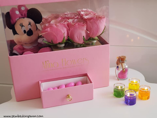 alina flowers tasarım gül kutular