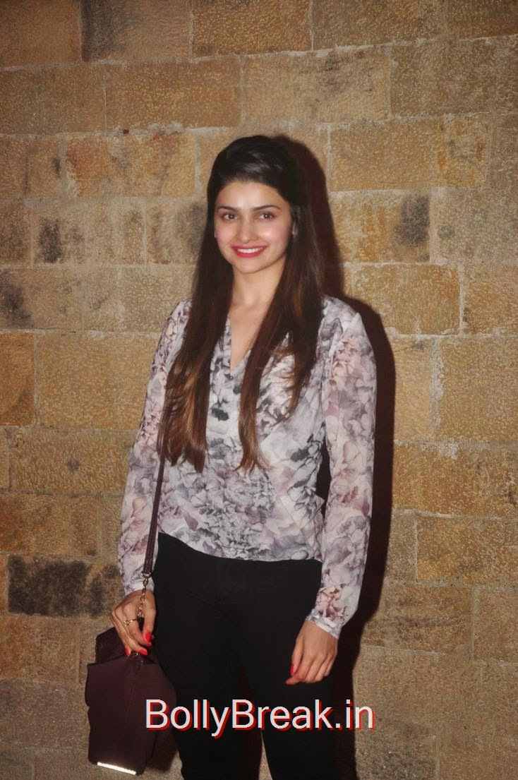 Prachi Desai, Elli Avram, Esha Gupta Hot Pics At Opening for Anupam Kher Neena Gupta Play