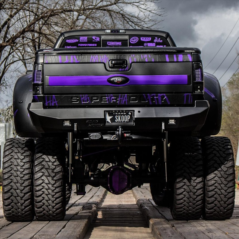Ford super Duty f-350 Platinum named the Joker.