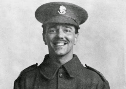 picture of smiling WWI soldier