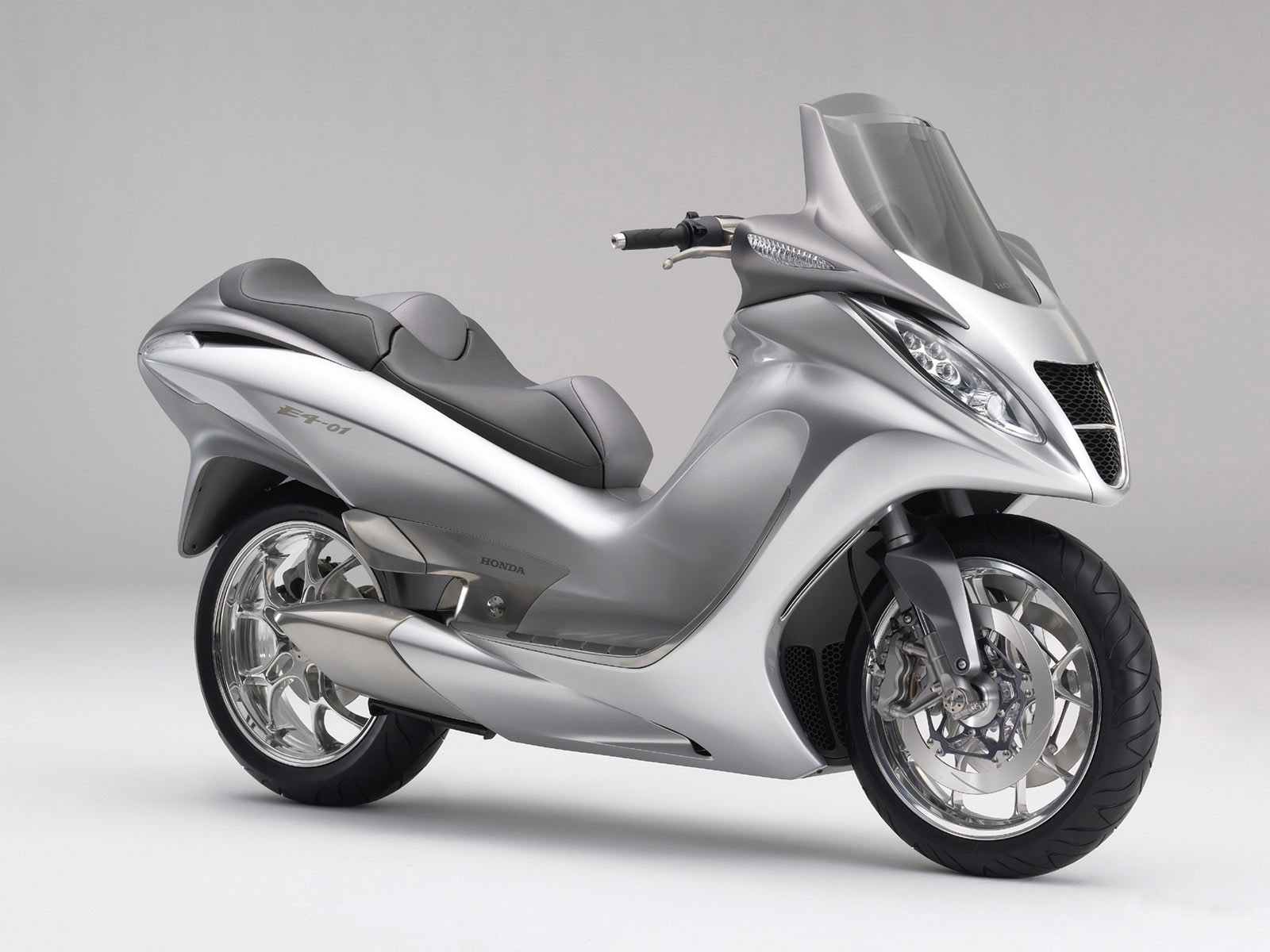 2005 Honda E4-01 Concept Motorcycle Desktop Wallpaper