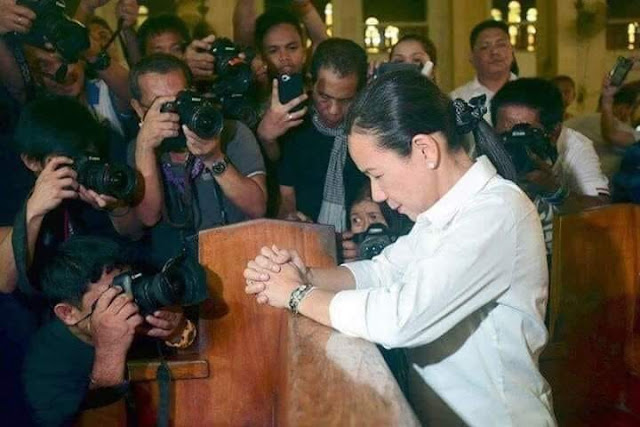 Grace Poe: Is This The Funniest, Most Hypocritical Political Photo Of The Century?