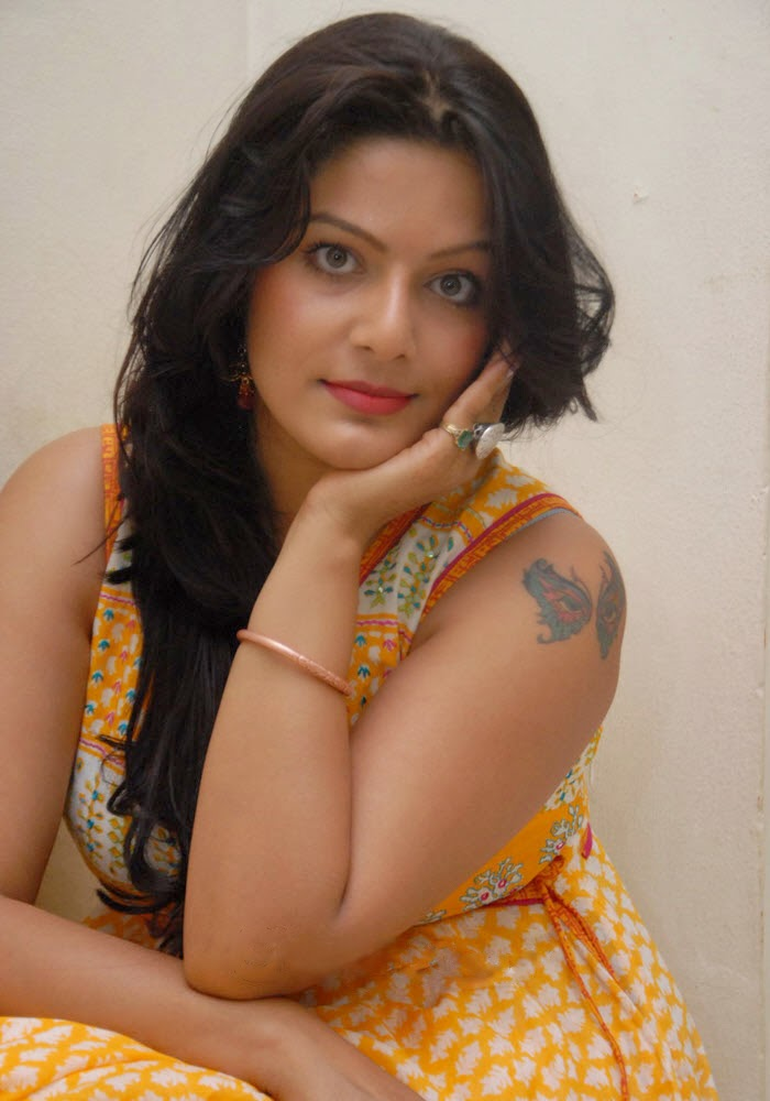 Actress Reva Hot Photo Gallery  Telugu Actress Reva Spicy -3121