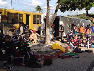 Vídeo mostra momento em que trem atinge ônibus e deixa 3 mortos na Paraíba