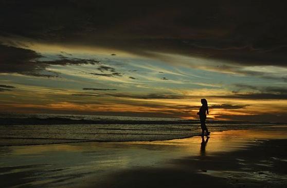 Berwisata Ke Pantai Pasir Jambak, Pantai Terbaik Di Kota Padang