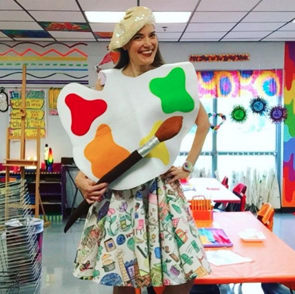 cassie stephens what the art teacher wore 202