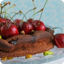Tarta de chocolate y cerezas