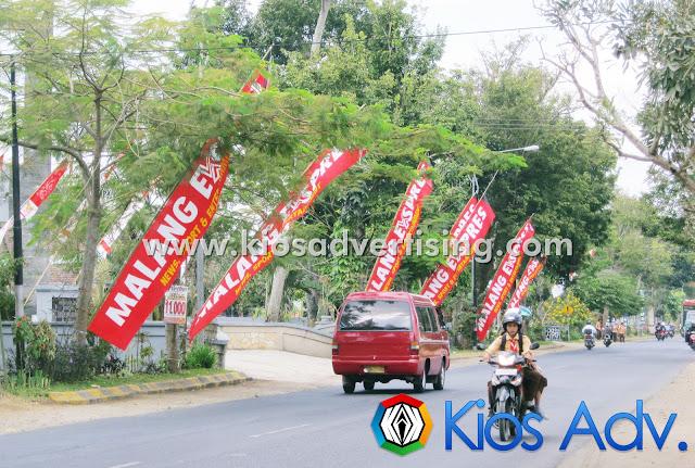 PASANG SPANDUK DAN UMBUL UMBUL MALANG
