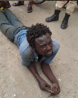 Man Acting A Mad Man Caught In Egbeda Trying To Kidnap A Child