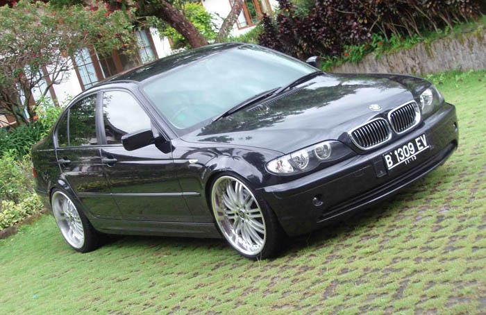BMW 318i Spesifikasi, Harga dan Perawatan ! MobiLku.Org Bmw I Spesifikasi on bmw 316ti, bmw alternator, bmw 525ix, bmw 528it, bmw 518i, bmw 740il, bmw 320ci,