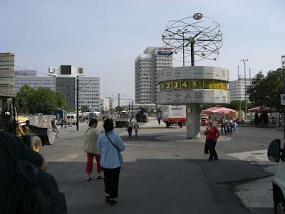 Reloj en Alexanderplatz