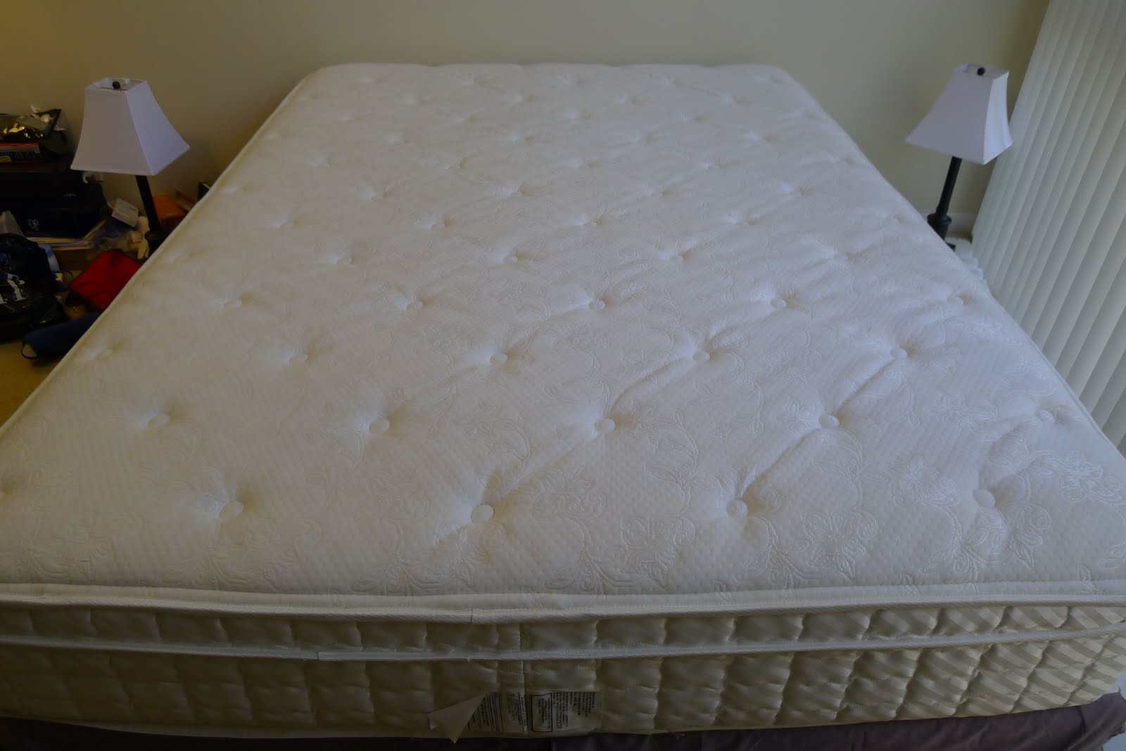 Moving Sale South Beach To Sydney Serta Queen Mattress