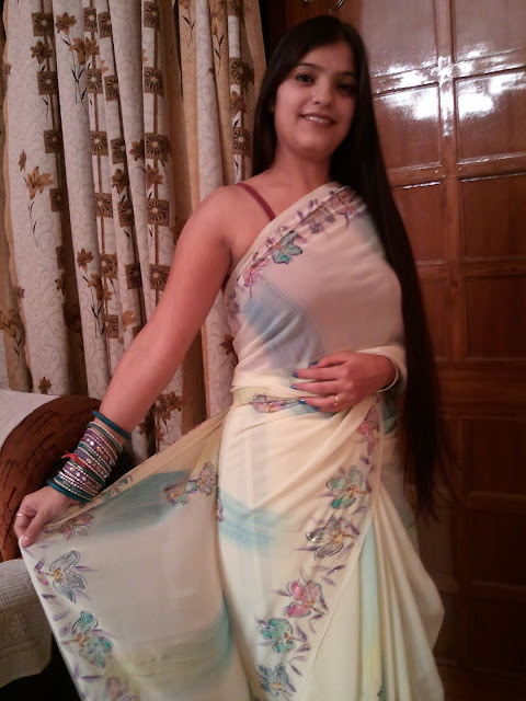 Delhi Hot Girls in Saree