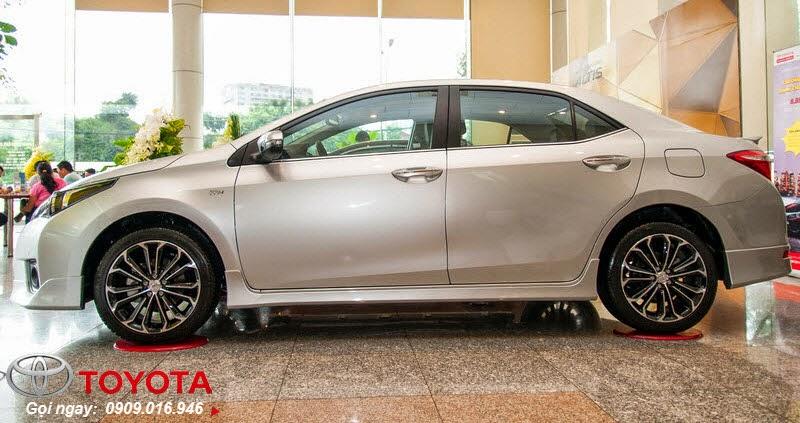 altis 2.0 1 - Đánh giá Toyota Corolla Altis 2.0 V 2014 - Lướt êm với phong cách thể thao mạnh mẽ - Muaxegiatot.vn