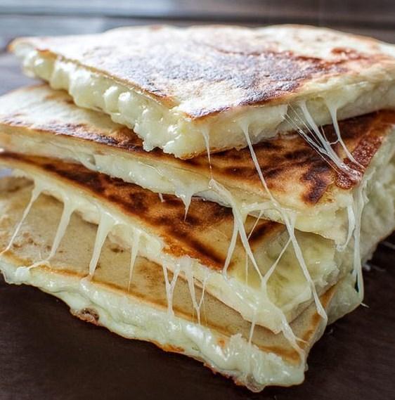 MASHED POTATO QUESADILLA #Vegetarian #recipes