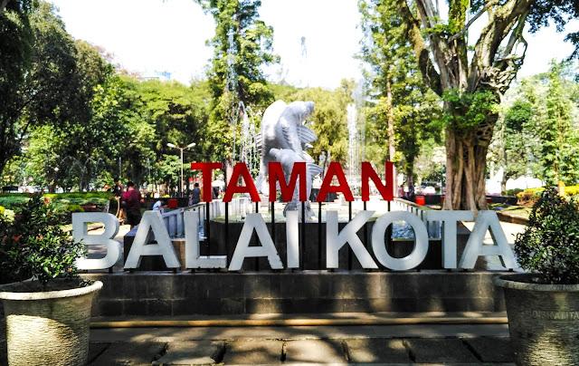 Taman Balai Kota Bandung Yang Kekinian