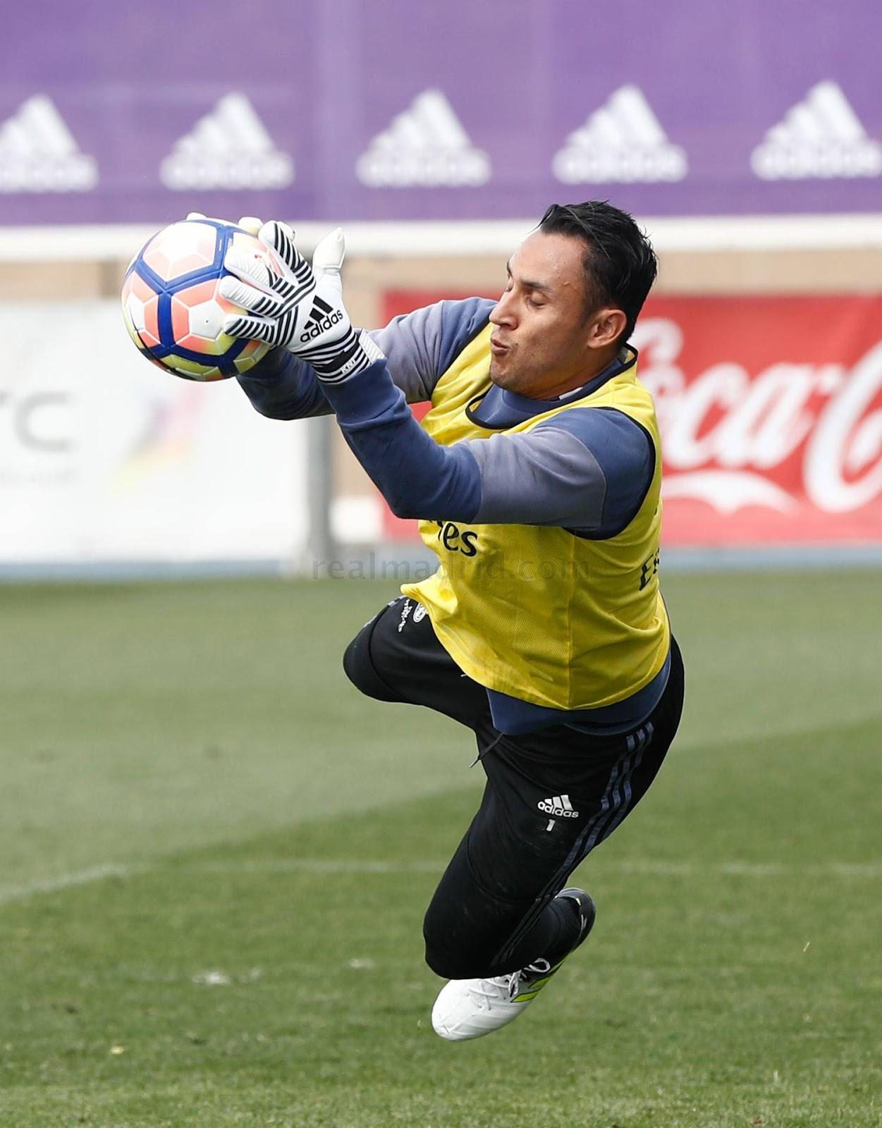 Keylor Navas Reveals Next Gen Adidas Goalkeeper Gloves and