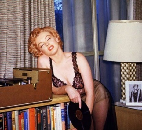 Marilyn loves vinyl