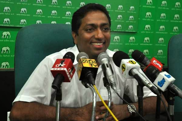 UNP May Day in Colombo, SLFP rally in Galle and those of the rogues in Kirillapona