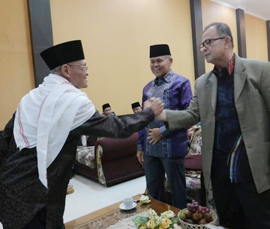 Buya Mas'oed Abidin: Saya Mendoakan Emzalmi-Desri Ayunda Menjadi Walikota dan Wakil Walikota Padang