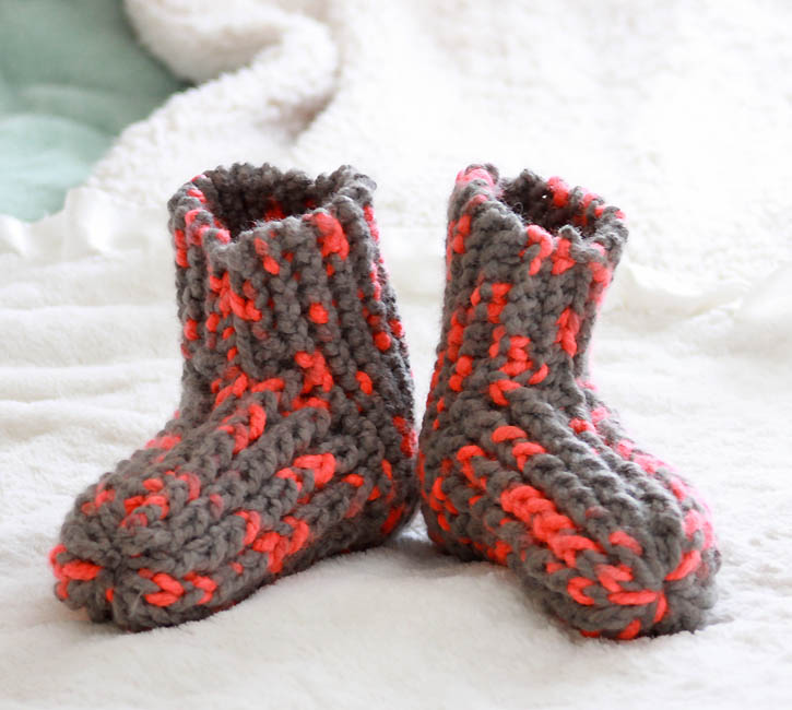 Knitting Pattern For Chunky Slippers : Free Knitting Patterns to make with Chunky Yarn - Gina Michele