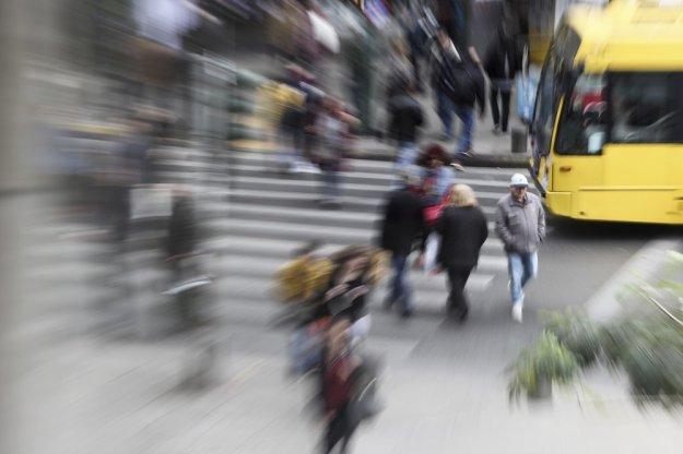 Πολεμούν την ανεργία με μισθούς των… 300 ευρώ