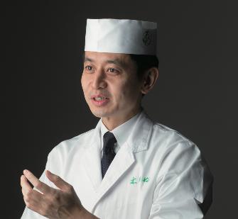Chef Takuji Takahashi of Kinobu