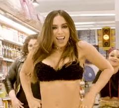 Anitta lança clipe de Paradinha