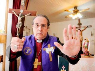 Exorcista Manuel Acuña