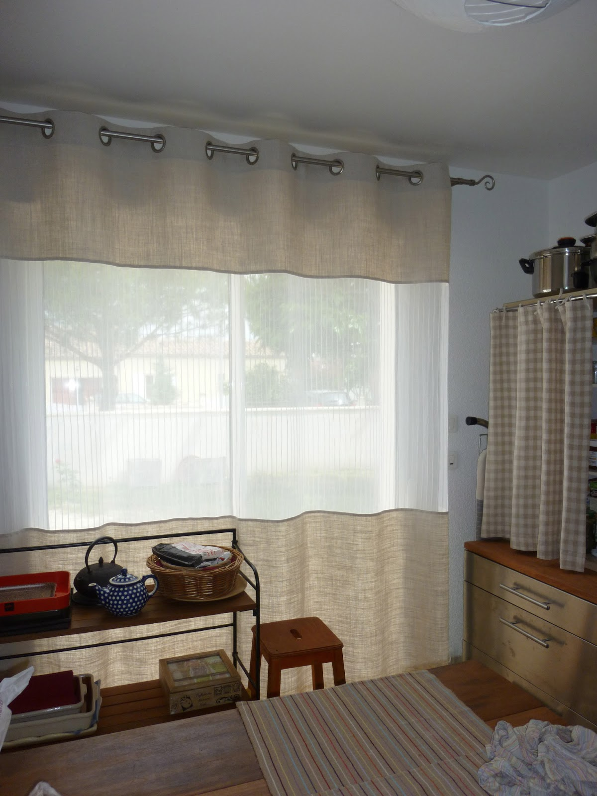 la couture d 39 isa rideaux pour voir sans tre vu. Black Bedroom Furniture Sets. Home Design Ideas