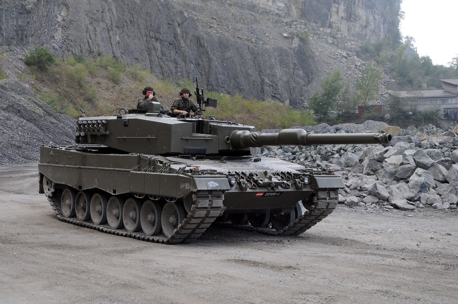 Military Tanks For Sale In Canada >> Full Frame: Singapore's Leopard 2A4 And The Great German Panzer Sale