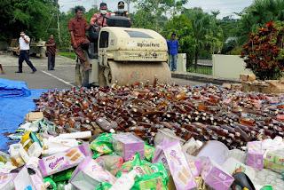 Pemprov DKI Jakarta Musnahkan Ribuan Botol Miras