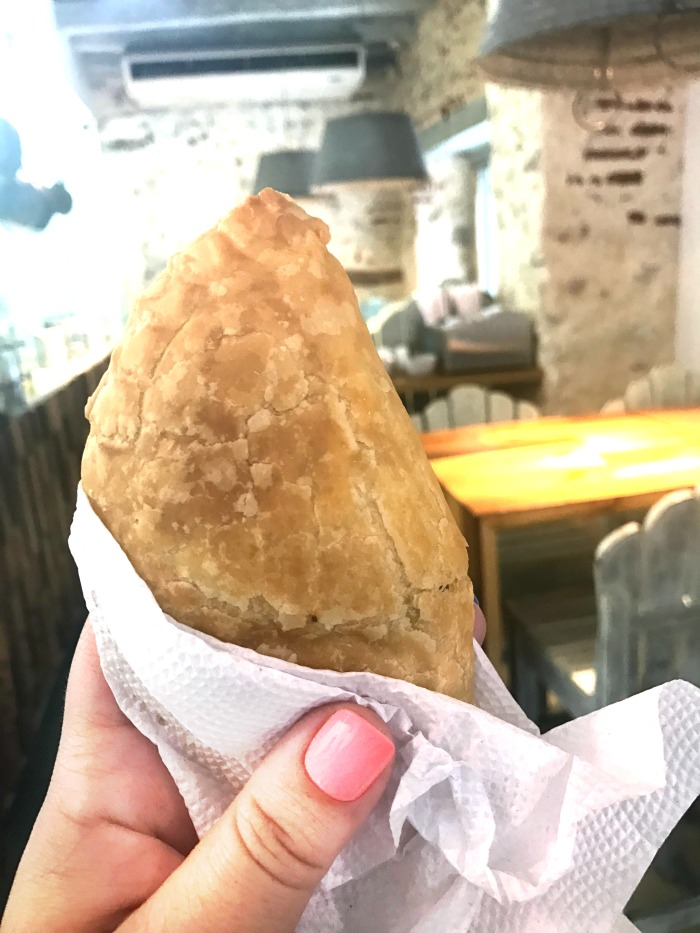 empanada por almuerzo
