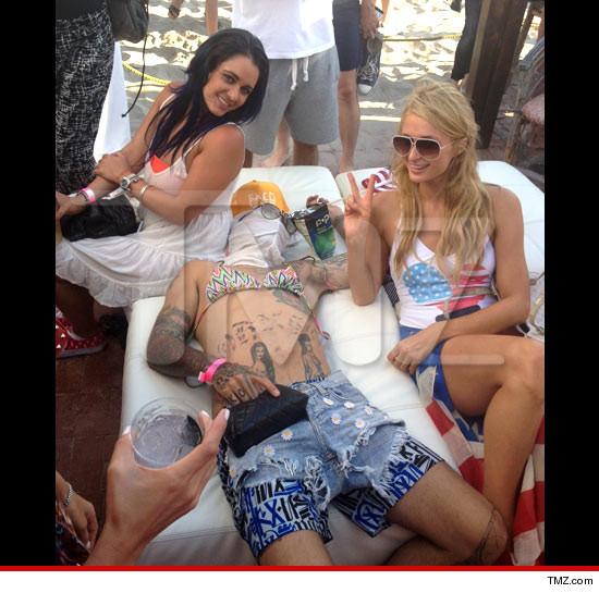 Paris Hilton Completely Naked 15